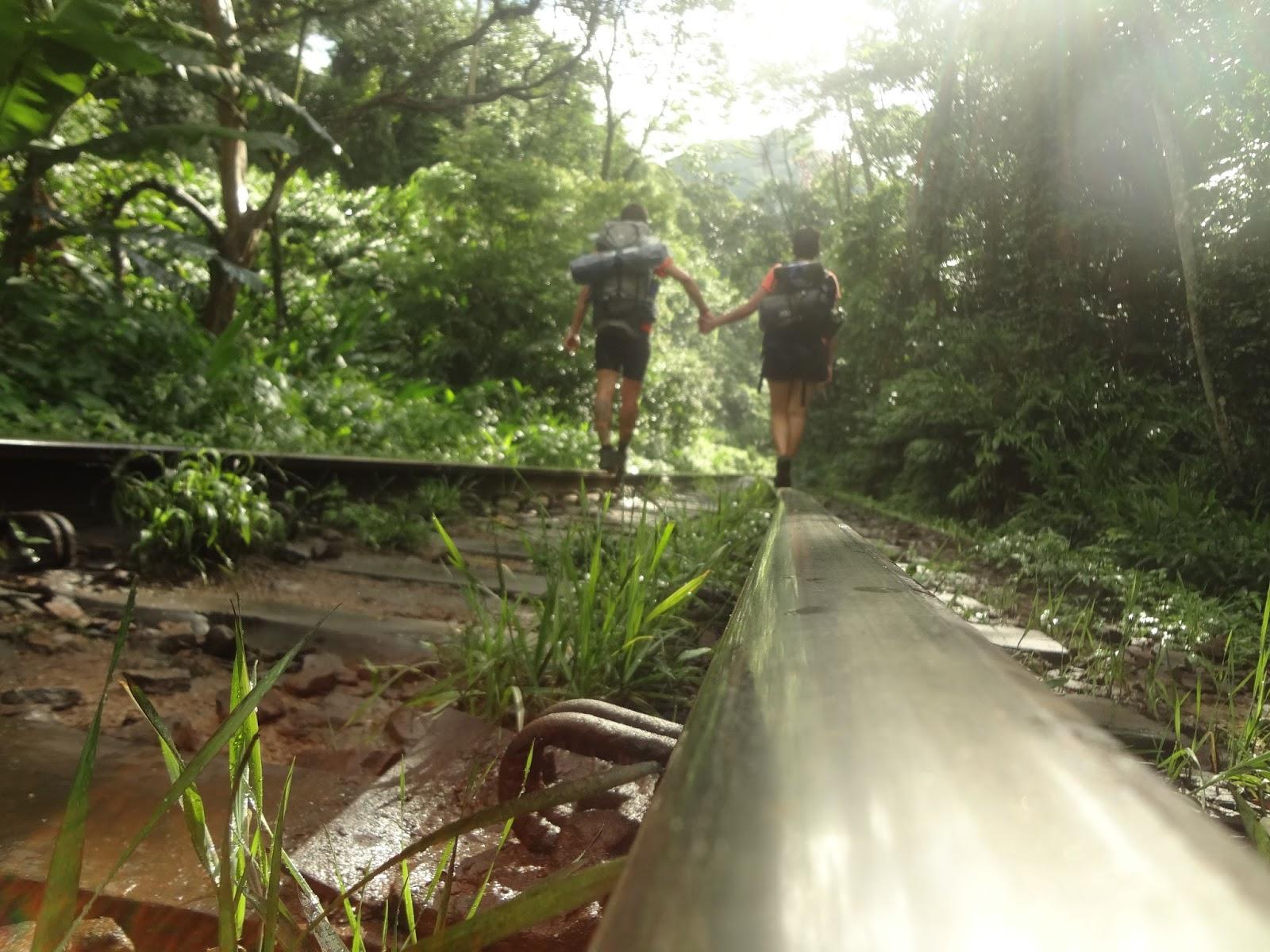 """:) - Trilhos de Trem Marumbi - Coluna DE ROLÊ – 7 dicas para camping no Marumbi por um viajante de experiência """"mediana-pra-boa"""" – por THIAGO GAVA"""