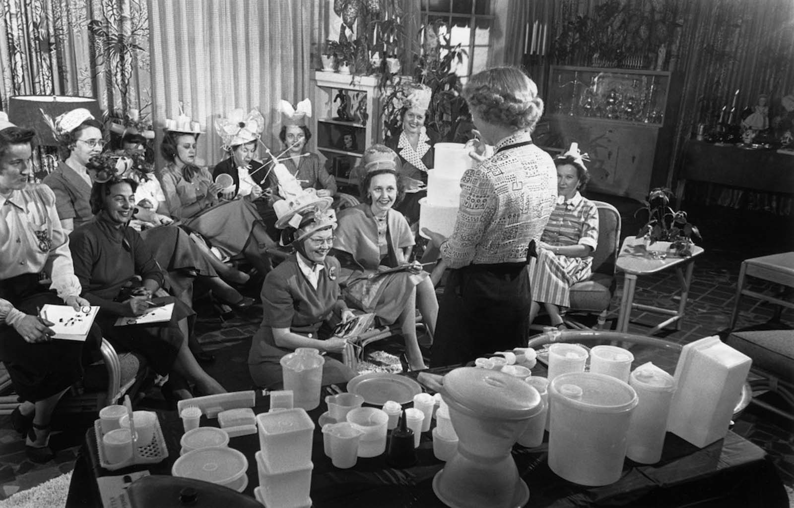 tupperware parties pictures history