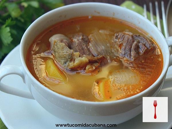Sopa de carne - comida CUBANA