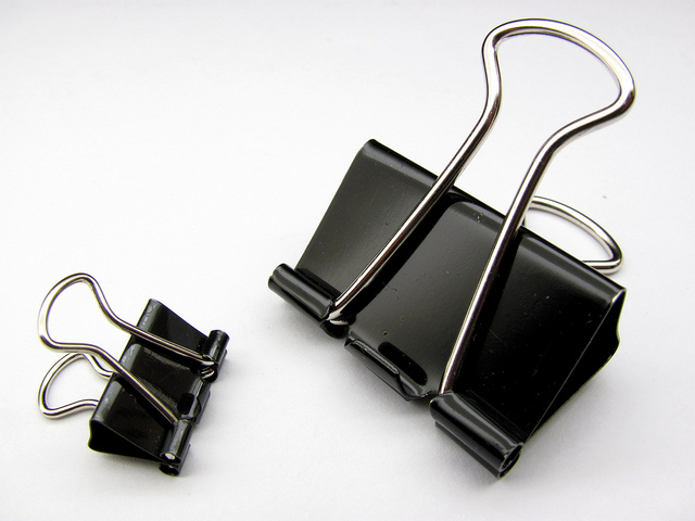power home solutions 20 new uses for binder clips. Black Bedroom Furniture Sets. Home Design Ideas