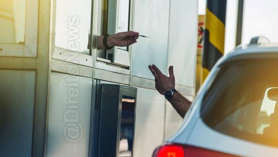 pedagio indenizado chamado ladrao motorista direito
