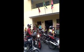 Mototaxistas de Guarabira protestam contra medida da STTRANS