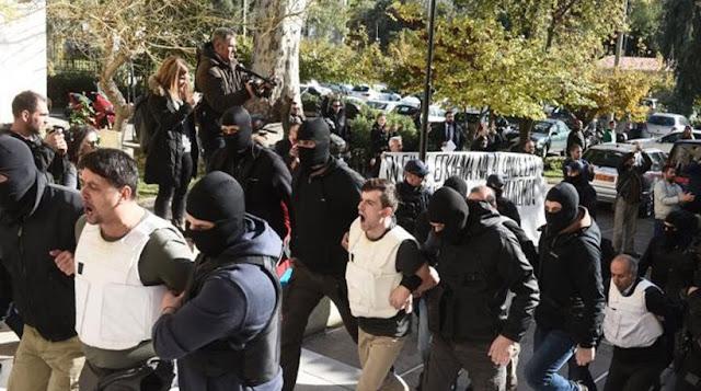 Κούρδος συλληφθείς στο Συμβούλιο Εφετών: «Μην με εκδώσετε, ο Ερντογάν είναι ο Χίτλερ της Τουρκίας!» Συζητήθηκε το αίτημα των τουρκικών αρχών