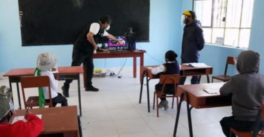 Más de 300 mil estudiantes que se trasladaron a colegios públicos exige la contratación de 8 mil docentes