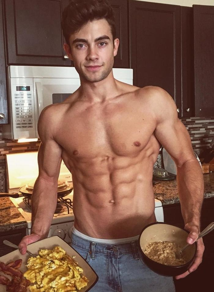 cute-young-college-bro-ripped-sixpack-abs-hot-body-student-breakfast-bacon-eggs