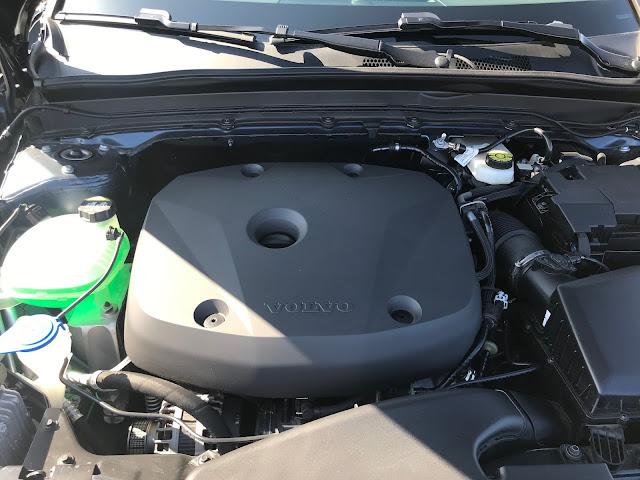 Engine in 2020 Volvo XC40 T5 AWD Inscription