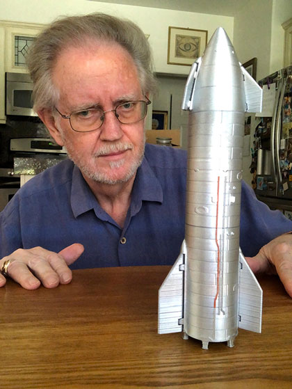 Resident Astronomer appreciates 3-D Starship model (Source: Palmia Observatory)