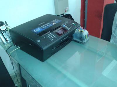 impresora Brother con sistema de tinta