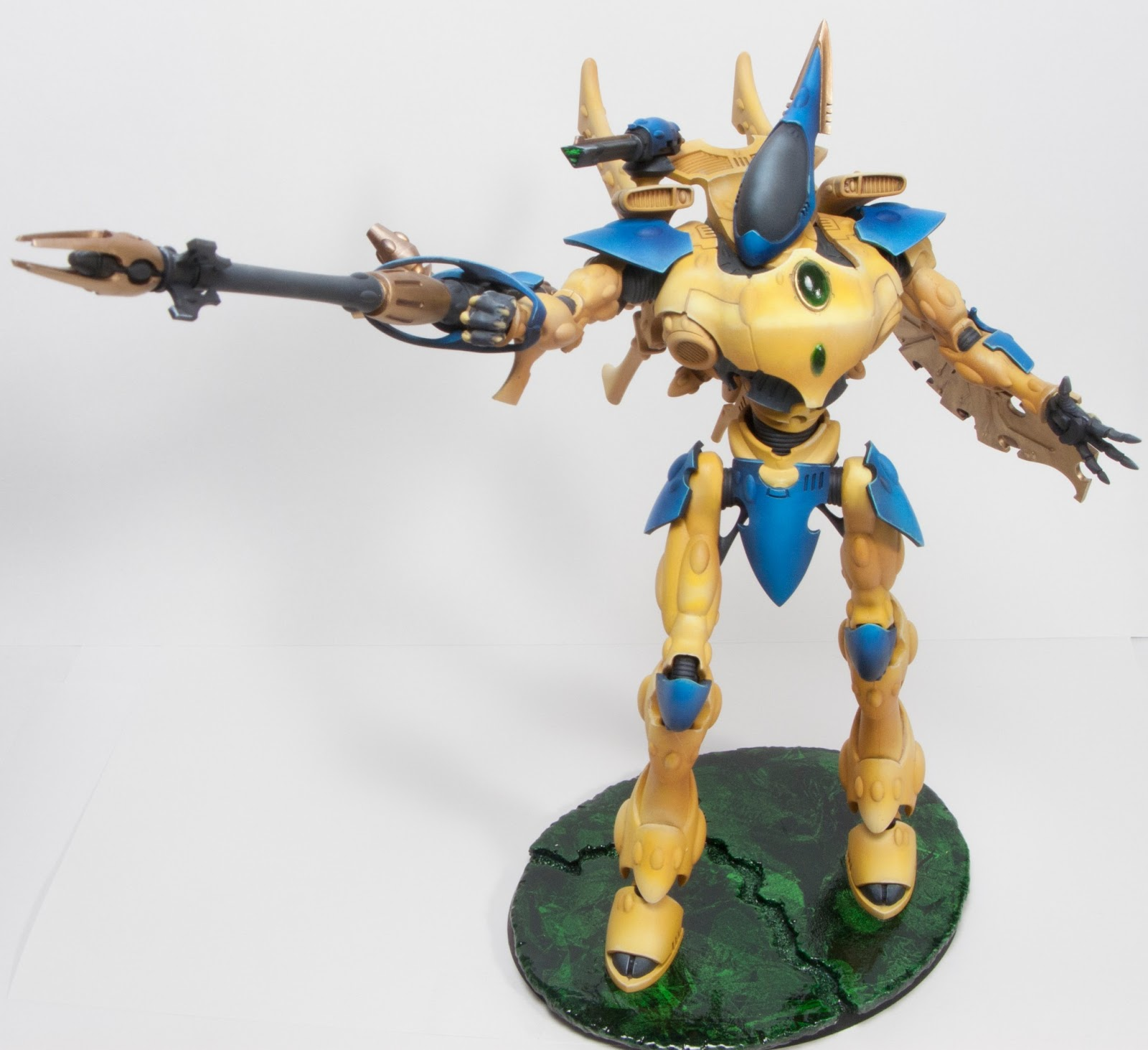A Painting Chaos: Eldar Wraithknight: It Is DONE !