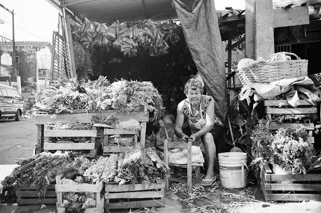 Vendedora de yuyos en el Mercado 4 de Asunción, ParaguayONU/Rocio Franco