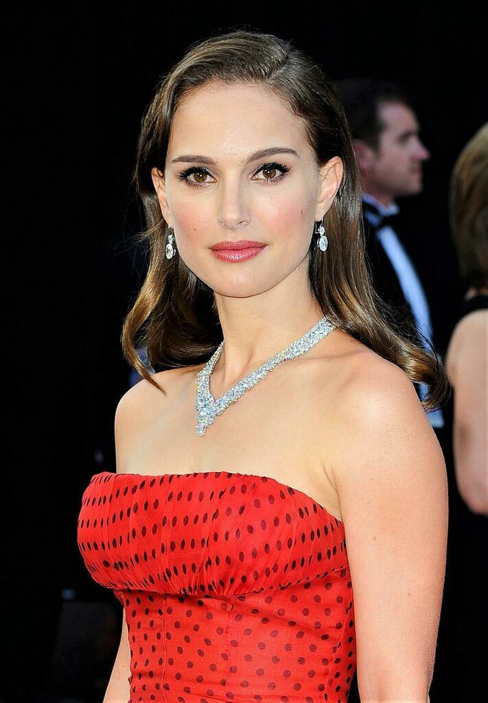 Natalie Portman gorgeous photo gallery