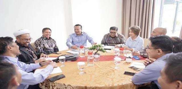 Tidak Lagi Di Istana, Ali Muhtar Ngabalin Kini Jadi Pejabat Di KKP