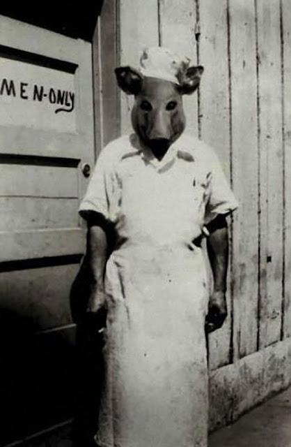 仮装の参考になる?昔のハロウィンの不気味すぎる仮装。8選 豚コック
