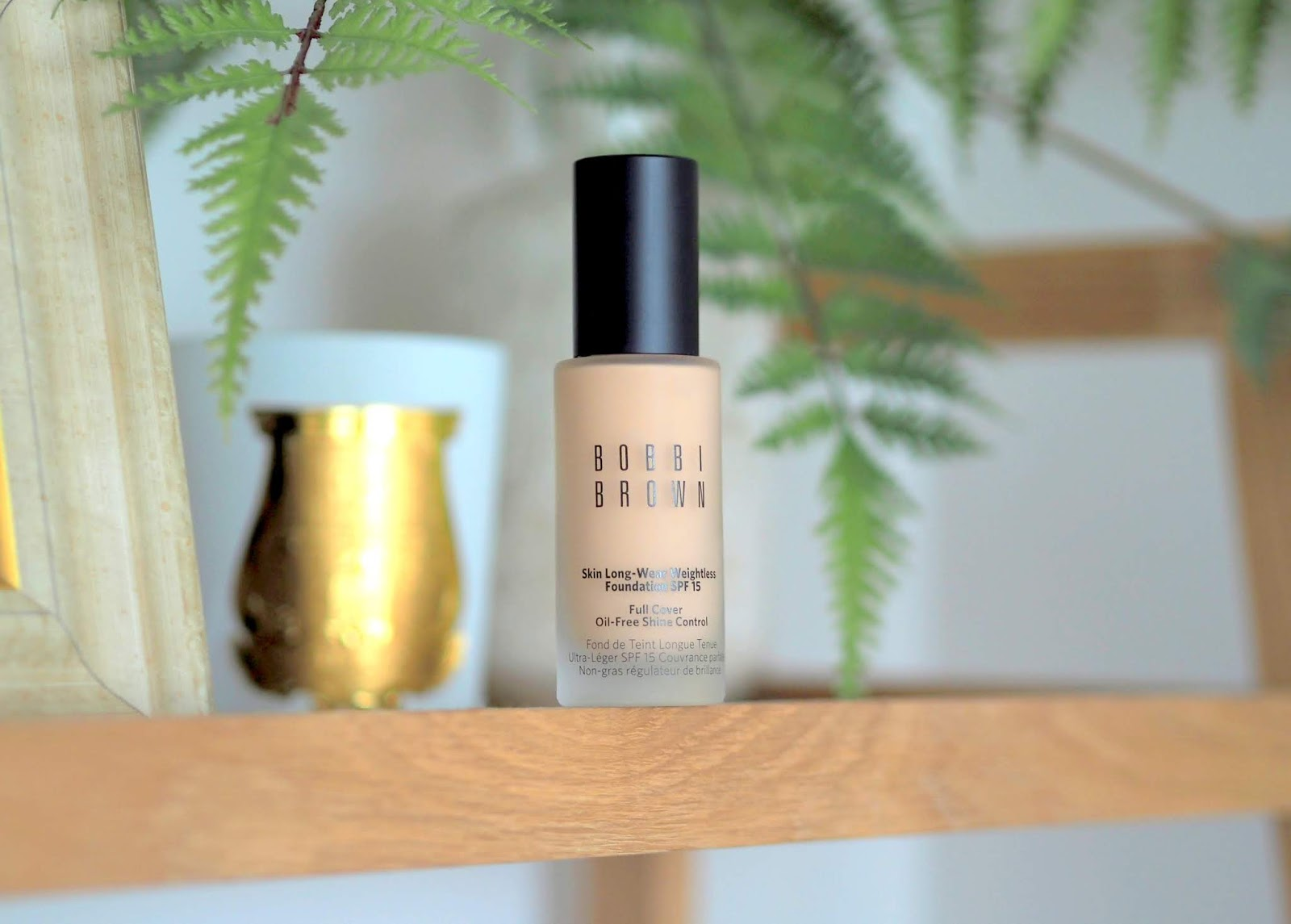 Bobbi-Brown-Skin-Long-Wear-Weightless-Foundation-neutral-sand-review