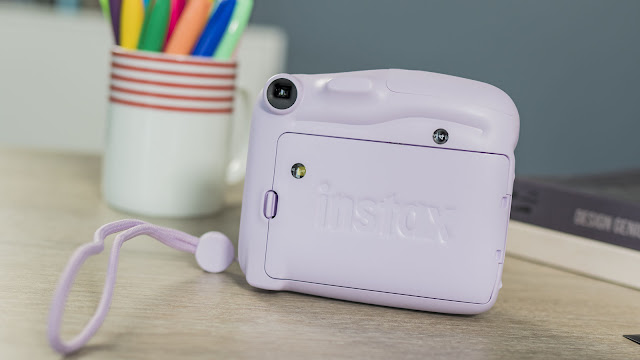 Fujifilm Instax Mini 11 Review