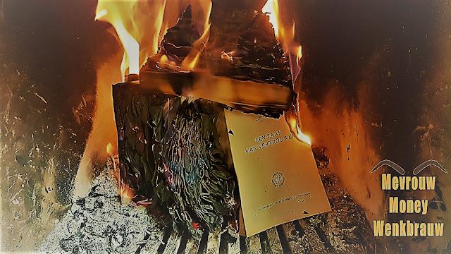 Boekverbranding om te besparen