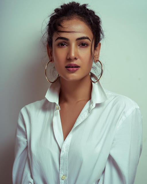 Sonal Chauhan (Indian Actress) Biography, Wiki, Age, Height, Family, Career, Awards, and Many More