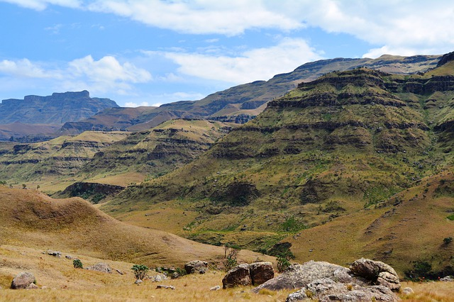 Sani Pass, Sani Pass South africa, South africa, Travel, Tourism, Tourist attractions, Falls, National Parks, Water, River, Mountains, Seas, beaches, seashore,