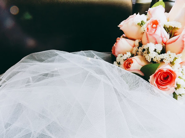 Saving tips for brides on a budget