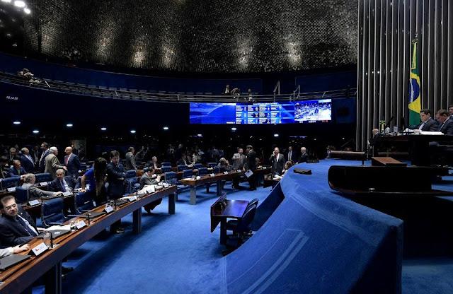 Comissão do Senado aprova projeto que antecipa feriados para segunda-feira
