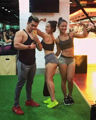 hot_girl_phong_gym