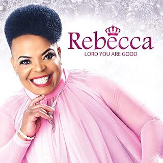 Rebecca Malope revela seu homem para o mundo