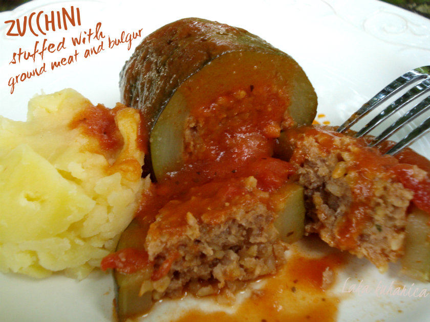 Zucchini stuffed with ground meat and bulgur in tomato sauce by Laka kuharica: tasty stuffed zucchini in aromatic tomato sauce.