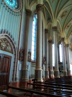 Face Lateral Esquerda da Catedral  de Nossa Senhora da Oliveira, em Vacaria