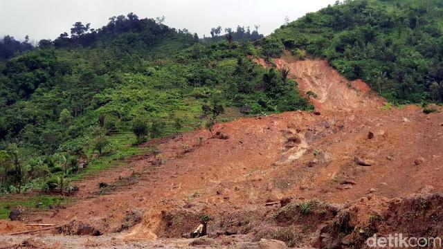 Penampakan Kampung Adat Sukabumi Terkubur Longsor