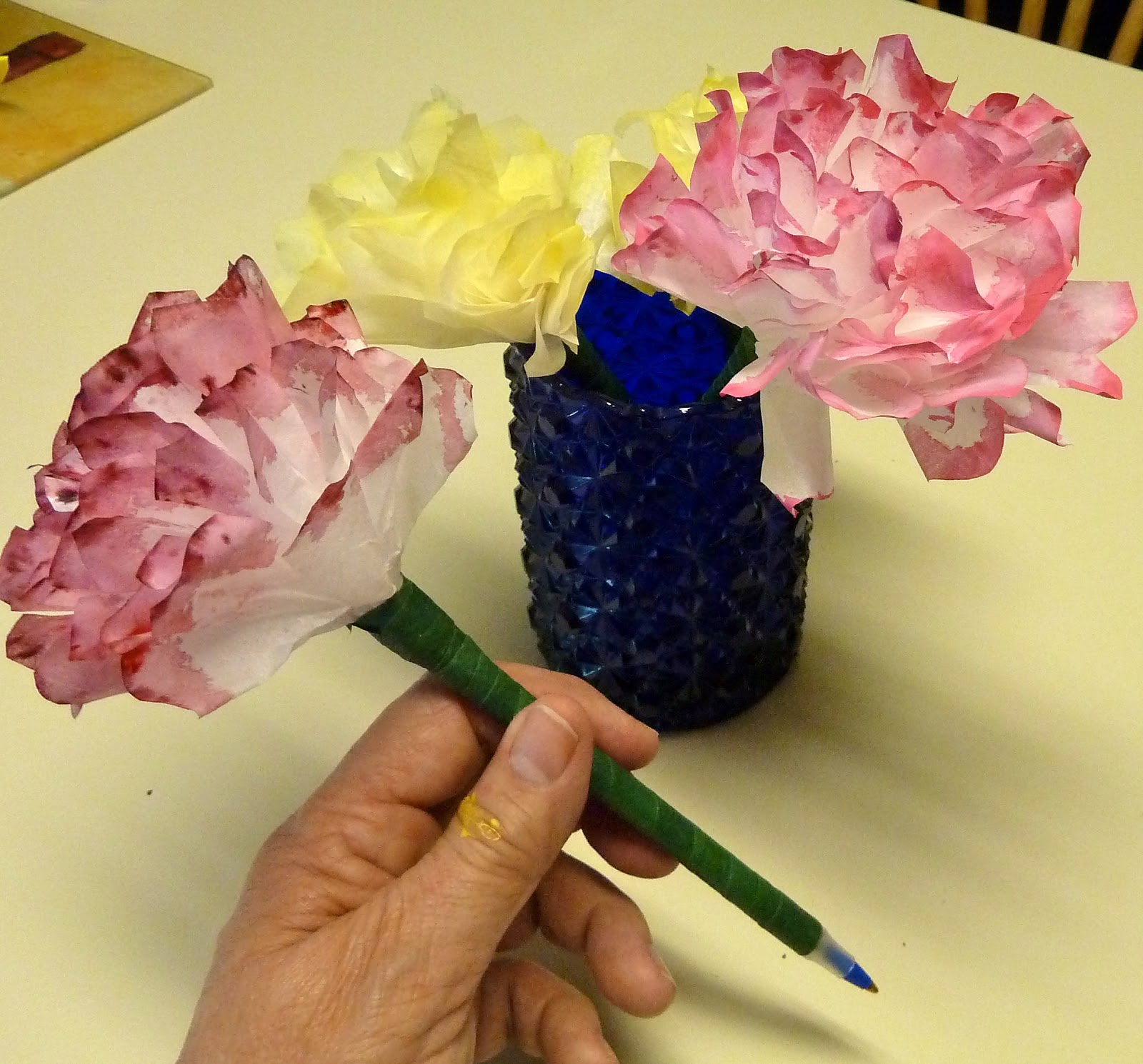 Make It Easy Crafts Coffee Filter Carnation Pen