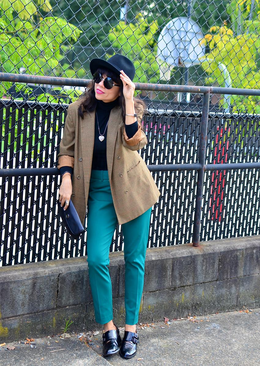 Oversized blazer street style