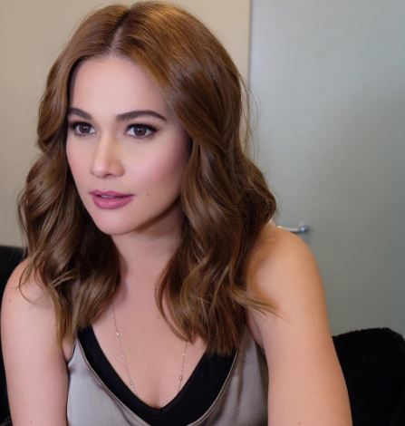 Meet the Filipina Celebrity Makeup Artist Responsible for the New Miss Universe's Makeup!