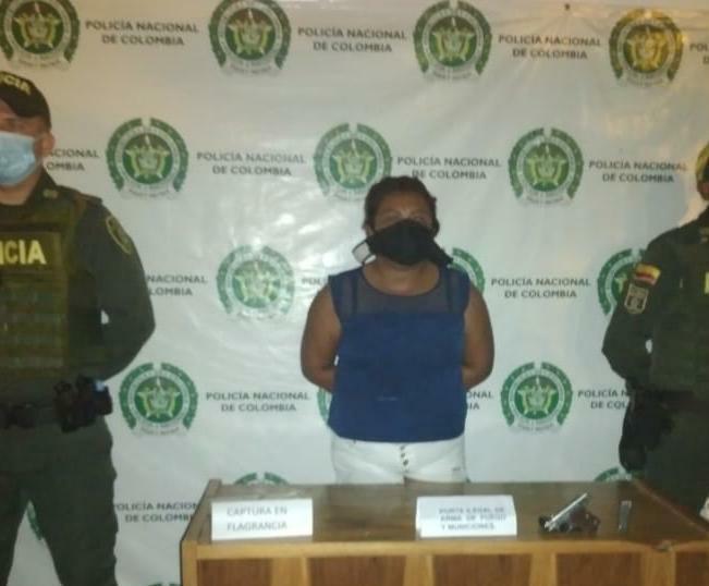 hoyennoticia.com, Con armas ilegales capturan una mujer y un hombre en Uribia