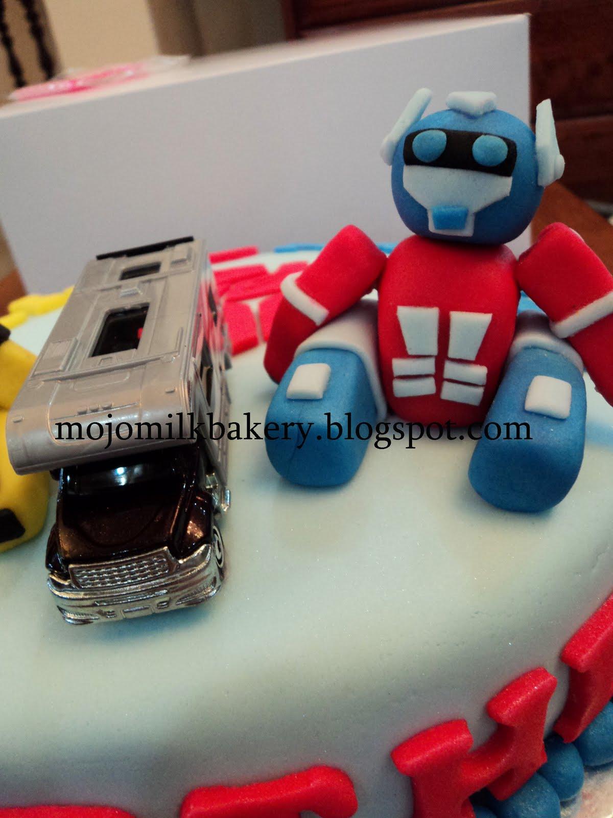 Mojo Milk Bakery Transformers Birthday Cake Bumblebee