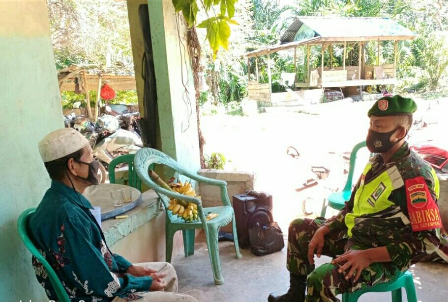 Babinsa Desa Sepempang Sosialisasikan Vaksinasi Covid-19 Kepada Tokoh Agama dan Warga Binaan