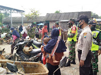 Petugas Gabungan Kecamatan Tambakrejo Bojonegoro Patroli Gakplin Bersama