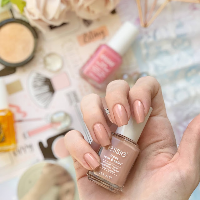 Essie-Treat-Love-and-Color-final-stretch-review-swatch