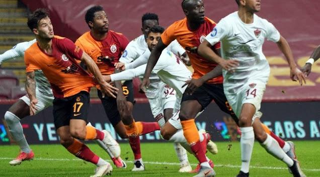 Galatasaray'ın Savunma Geçişlerindeki Sorunlar