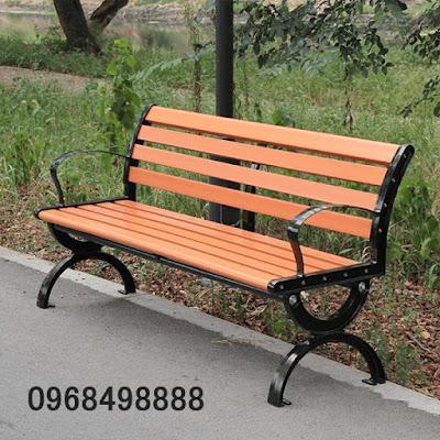 Ghế công viên bằng gỗ tại Hà Nội