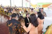 Ibadah Natal DWP, Tetty Paruntu Dan Michaela Paruntu Didoakan Secara Khusus