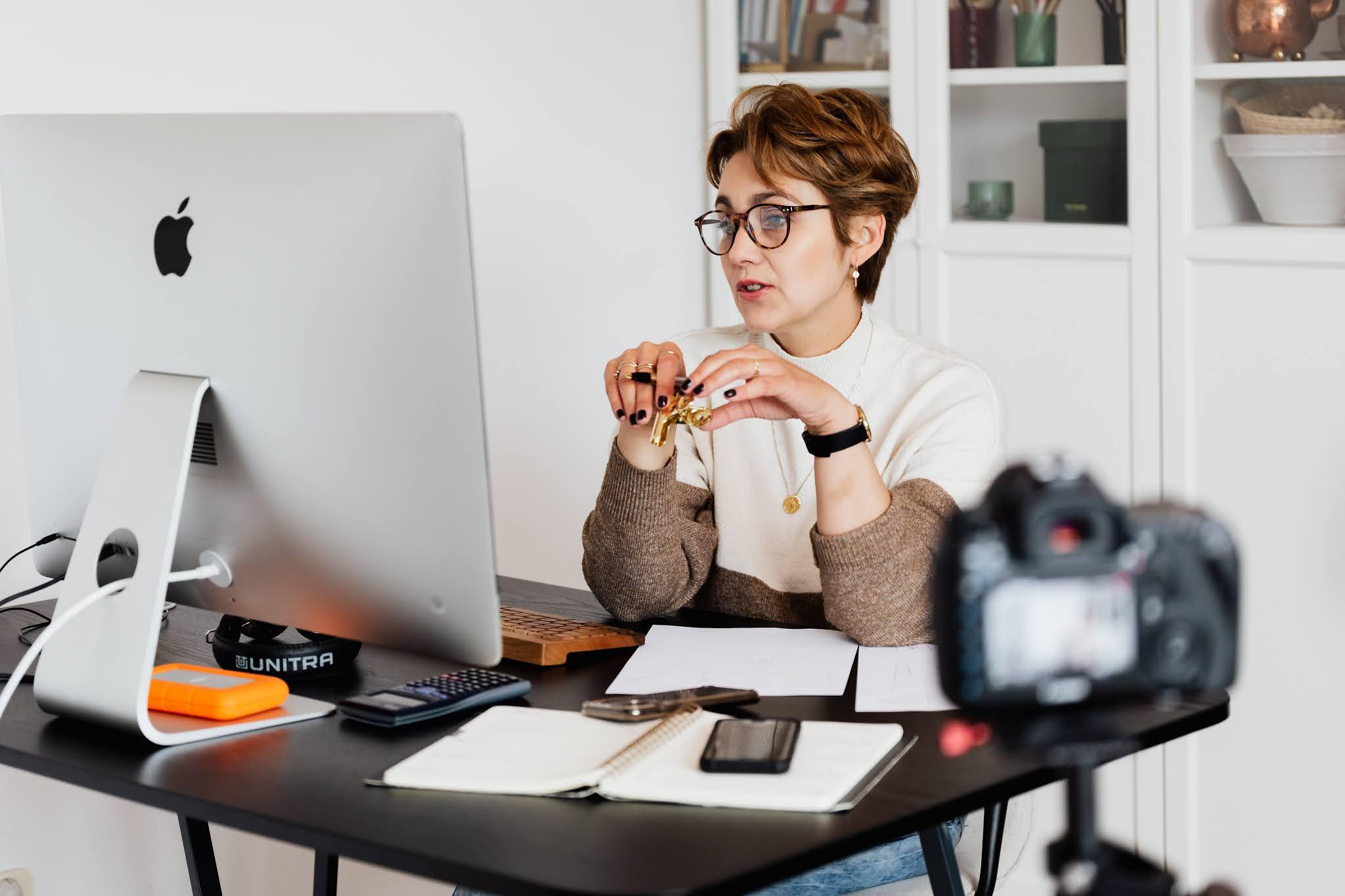 8 Cara Mendapatkan Uang dari Internet untuk Menambah Penghasilan Anda!