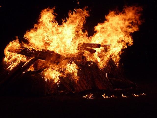 Rajasthan के करौली जिले मैं एक पुजारी को जिन्दा जला दिया गया मंदिर की जमीन के ऊपर