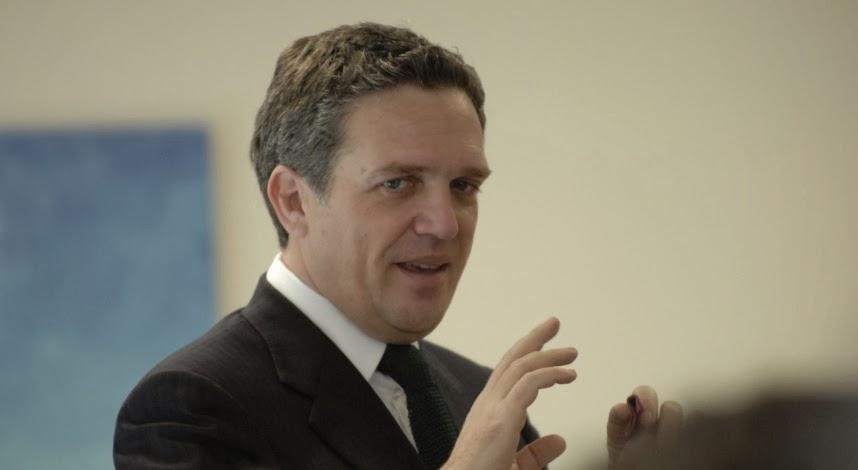 ΖΑΜΠΟΥΝΗΣ:Έχω την αίσθηση ότι αν η Ελλάδα ήταν βασίλειο δε θα είχαμε φτάσει εδώ που φτάσαμε