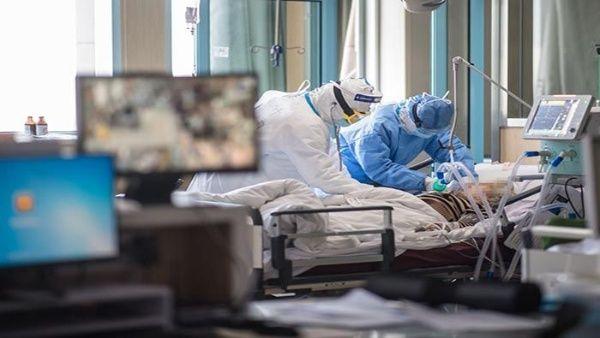 China eleva a 2.442 los muertos por el coronavirus