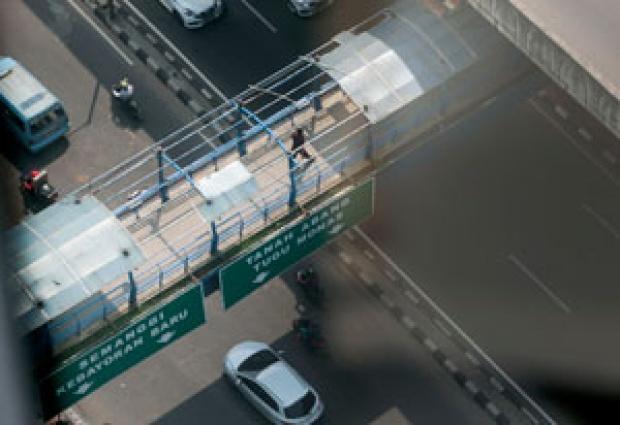 30 JPO Bahayakan Pejalan Kaki, DKI Malah Matikan Anggaran