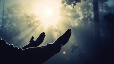 Doa Terbaik untuk Orang Tua yang Sedang Sakit