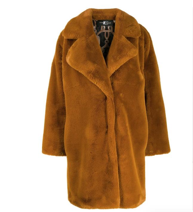 https://www.thisisglamorous.com/2020/01/mini-trend-teddy-bear-coats-for-wintertime.html/#sheader