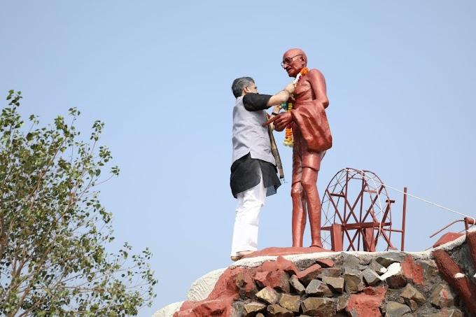 हिंदी विश्वविद्यालय में गांधी जी की पुण्यतिथि पर दी श्रद्धांजलि