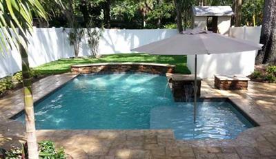 gambar kolam renang mini