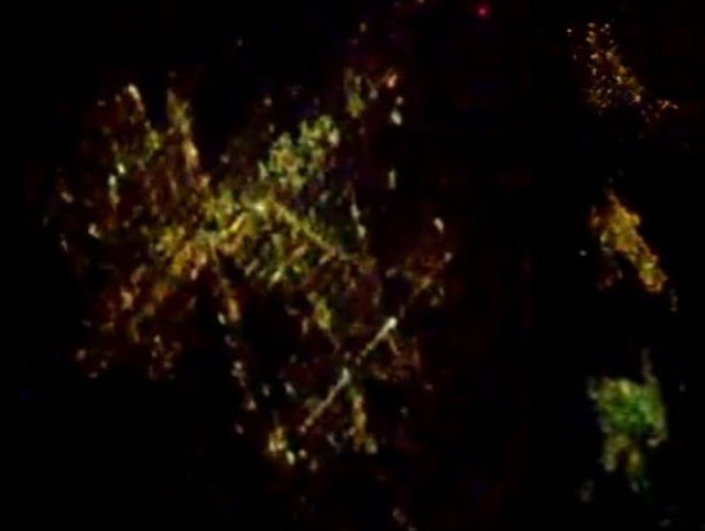 Strange space vehicles seem to appear out of flashes of light Alien-space-vehicles-ufo-iss%2B%25282%2529